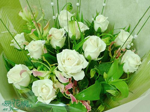 躍舞風尚白玫瑰花束