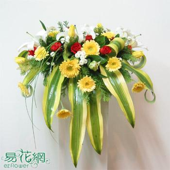 中型下垂式講桌花藝設計
