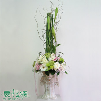 婚礼餐桌花艺设计